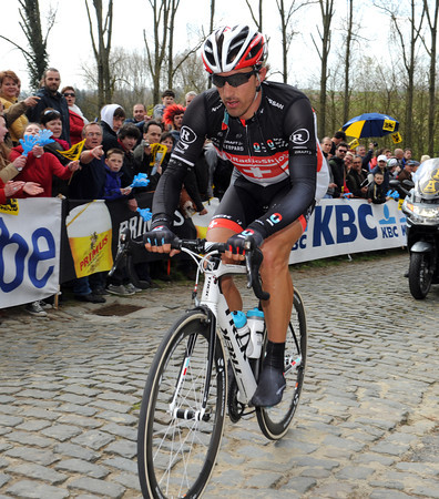 Fabian Cancellara is in last place on the Molenberg - but he doesn't look too distressed..!