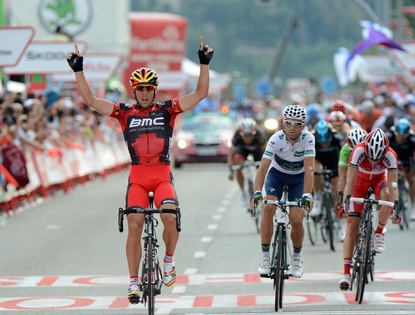 Philippe Gilbert wins stage nineteen after leading out from 400-metres - he's easily beaten Valverde, probably his biggest rival for the forthcoming World Championships..!