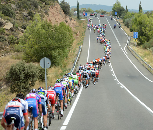 This is a first fast-start for the Vuelta, with 53-kilomeres covered in the first hour..!