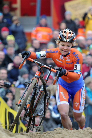 Sanne Van Paassen is in third for the same team, The Netherlands..!