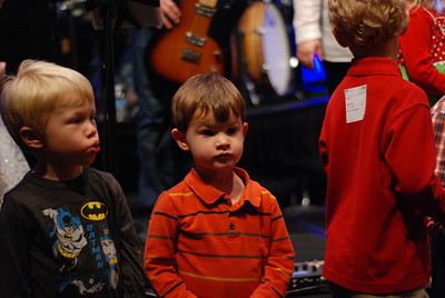 Children singing @ 9:15, 16 December 2012
