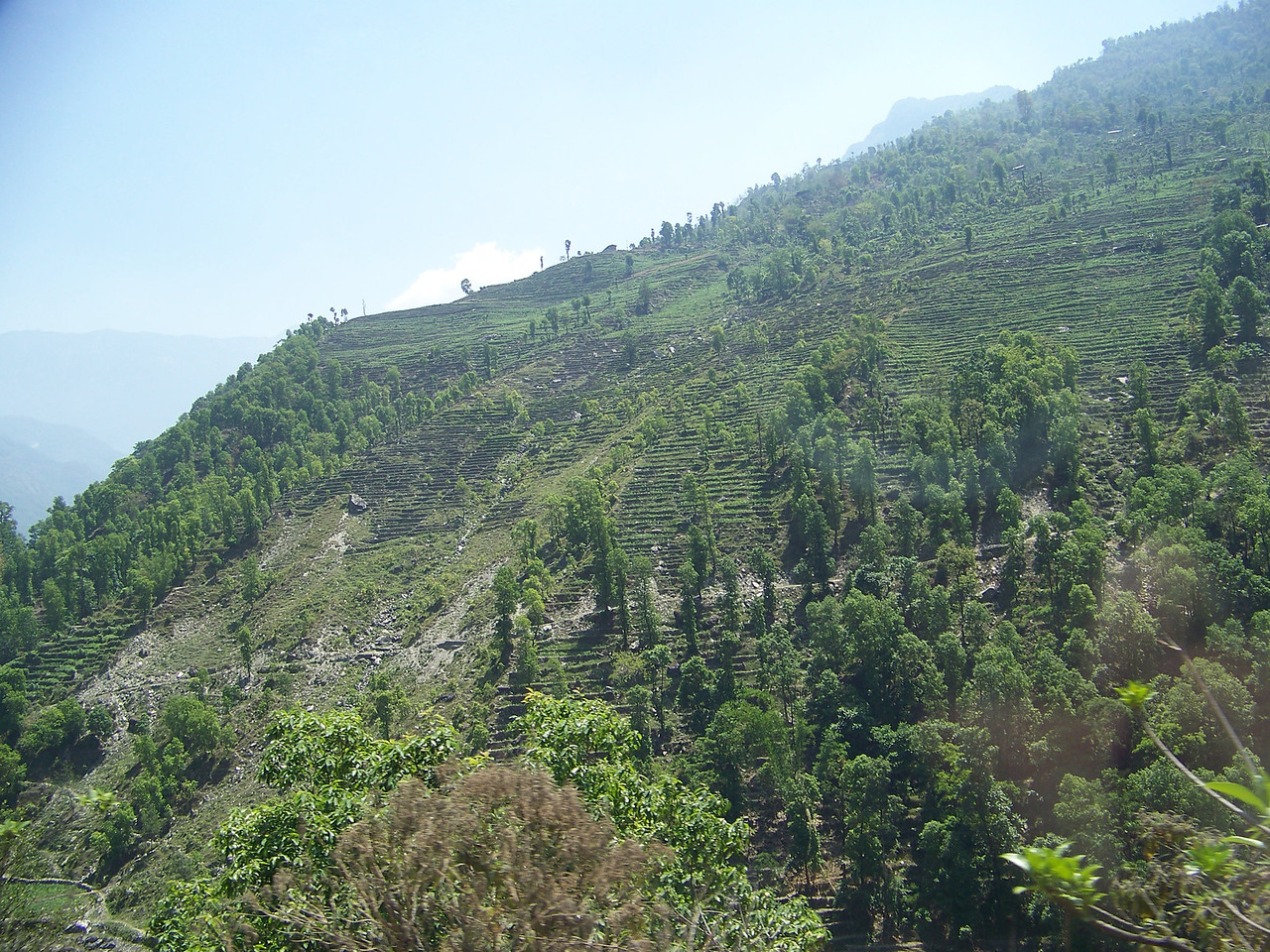 0652 - Scenery along Araniko Highway in Nepal Between Kodari and Katmandu - Nepal.JPG