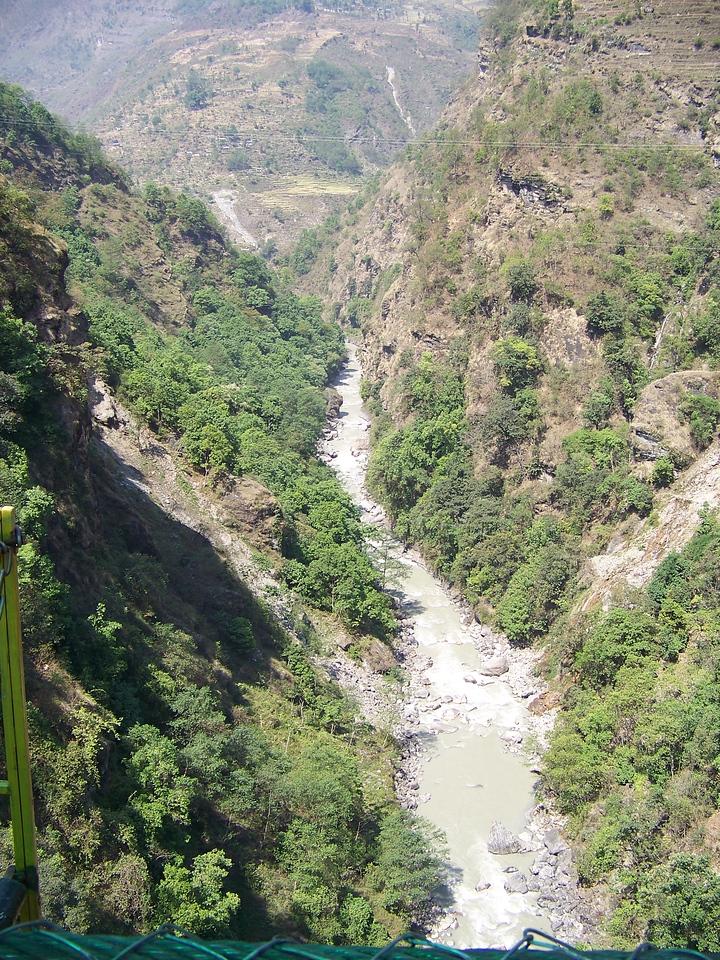 0639 - Scenery From Bundgy Bridge along Araniko Highway in Nepal Between Kodari and Katmandu - Nepal.JPG