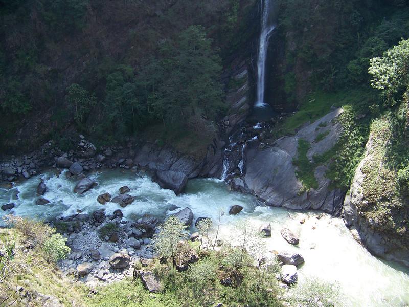0628 - Scenery along Araniko Highway in Nepal Between Kodari and Katmandu - Nepal.JPG