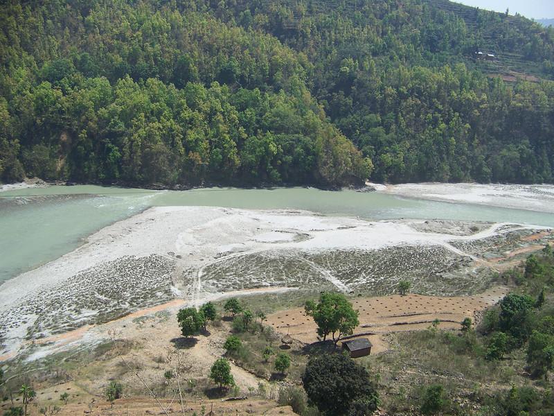 0664 - Bhote Koshi River on Araniko Highway Between Kodari and Kathmandu - Andheri Shidhupalchowk Nepal.JPG