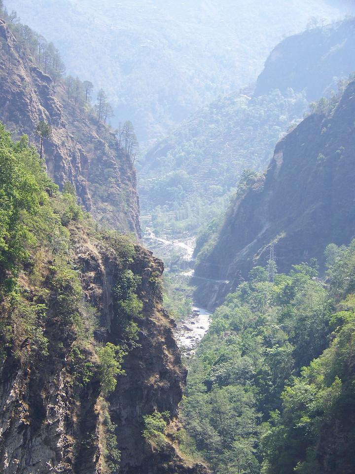 0636 - Scenery From Bundgy Bridge along Araniko Highway in Nepal Between Kodari and Katmandu - Nepal.JPG