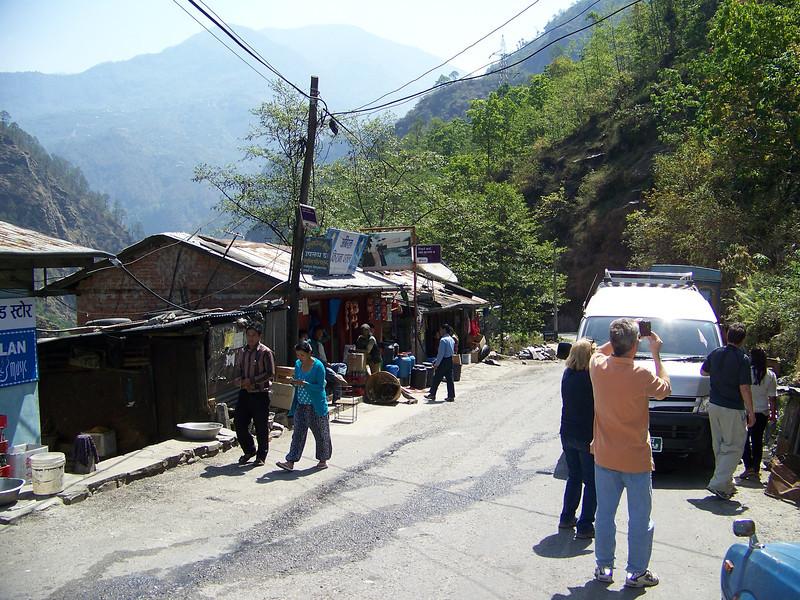 0645 - Scenery along Araniko Highway in Nepal Between Kodari and Katmandu - Nepal.JPG