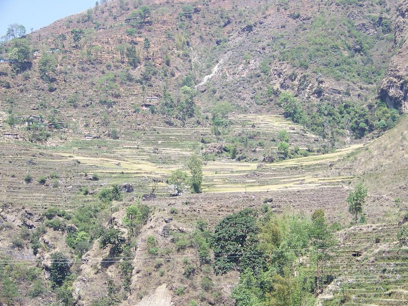 0643 - Scenery along Araniko Highway in Nepal Between Kodari and Katmandu - Nepal.JPG