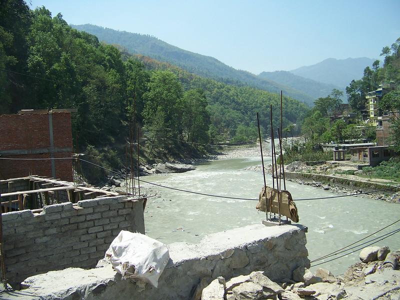 0648 - Scenery along Araniko Highway in Nepal Between Kodari and Katmandu - Nepal.JPG