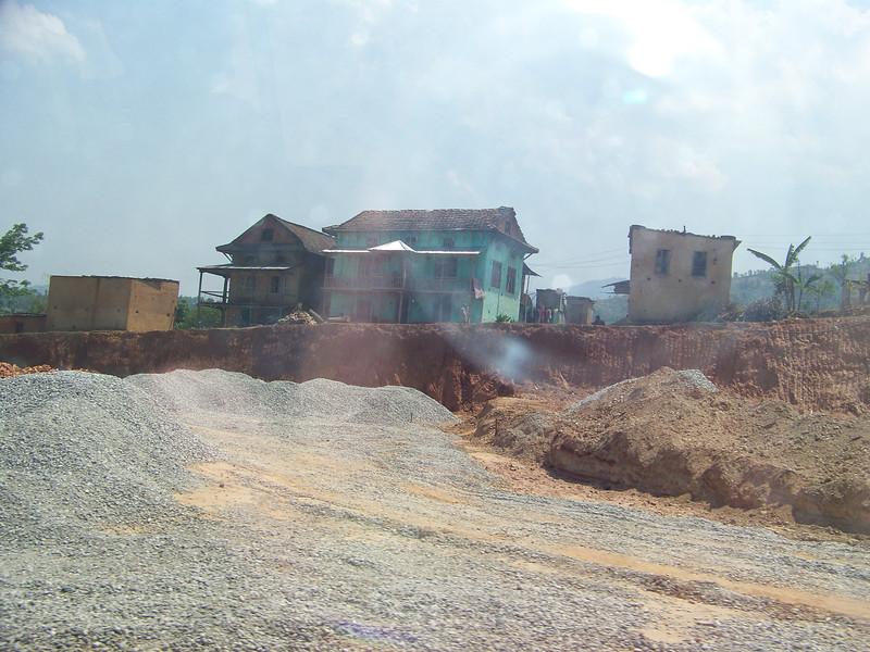 0665 - Scenery along Araniko Highway in Nepal Between Kodari and Katmandu - Nepal.JPG