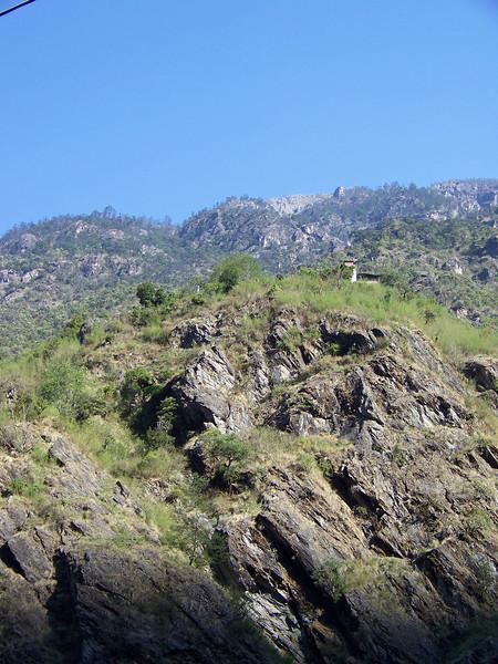0626 - Scenery along Araniko Highway in Nepal Between Kodari and Katmandu - Nepal.JPG