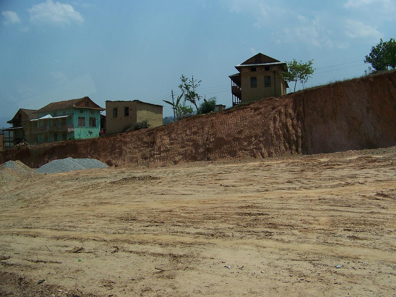 0667 - Scenery along Araniko Highway in Nepal Between Kodari and Katmandu - Nepal.JPG