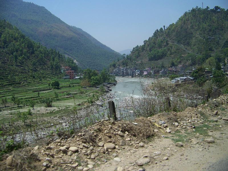 0653 - Scenery along Araniko Highway in Nepal Between Kodari and Katmandu - Nepal.JPG