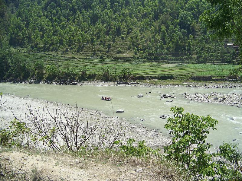 0662 - Rafters on the Bhote Koshi River on Araniko Highway Between Kodari and Kathmandu - Andheri Shidhupalchowk Nepal.JPG