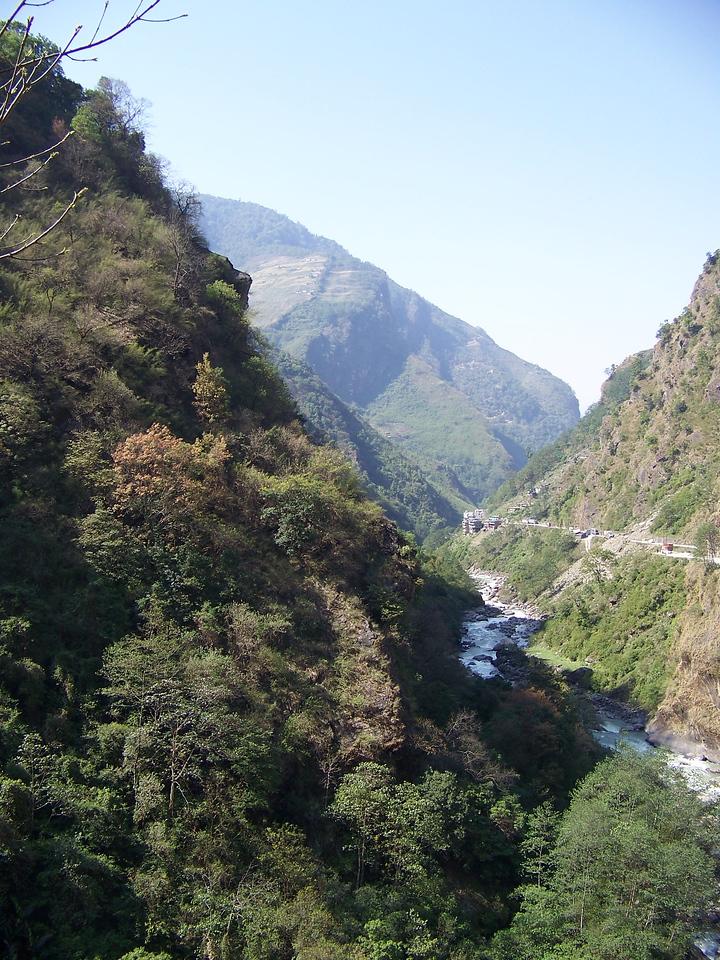 0631 - Scenery along Araniko Highway in Nepal Between Kodari and Katmandu - Nepal.JPG