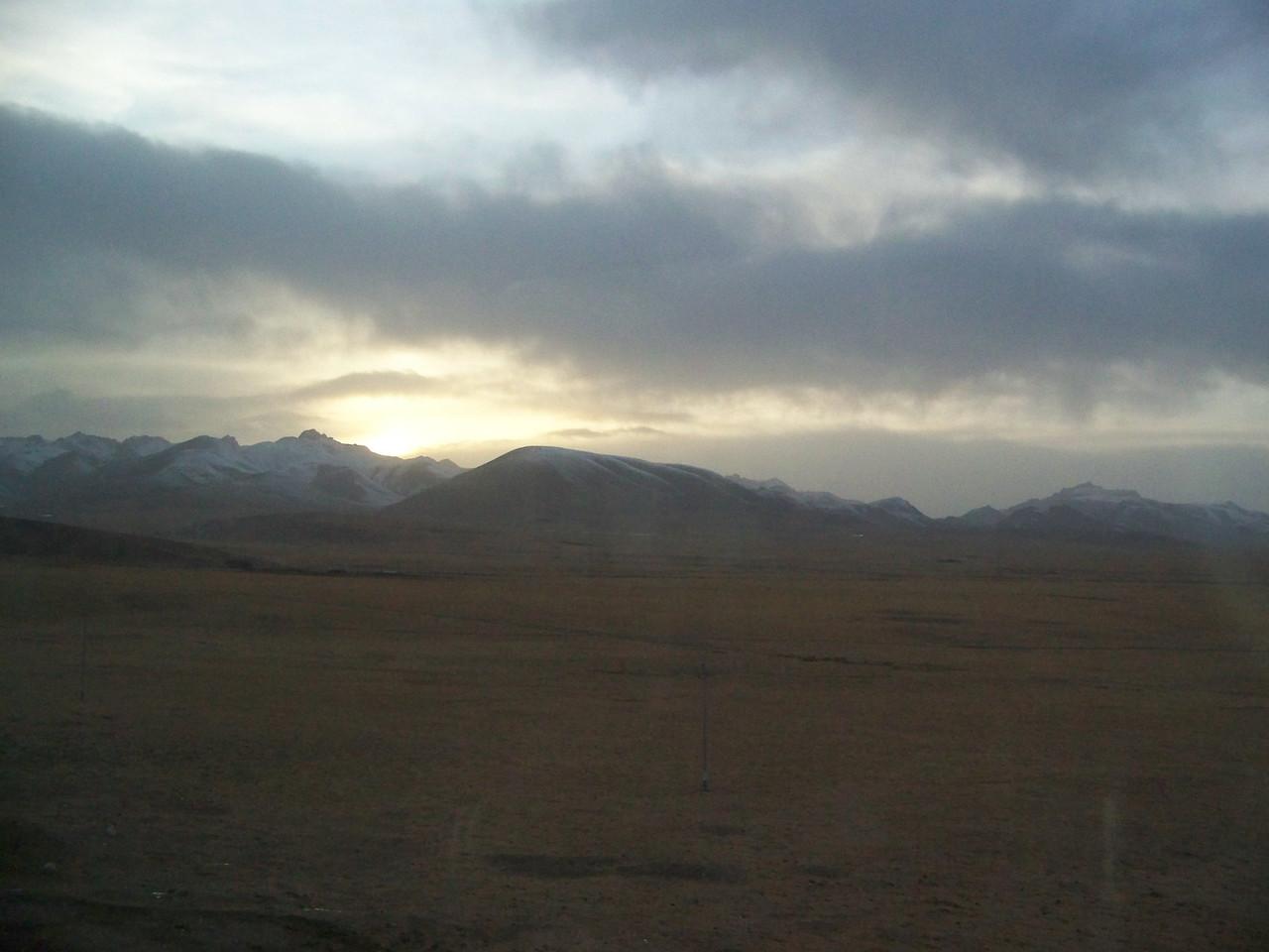 0091 - Scenery on Train Trip Between Beijing and Lhasa.JPG