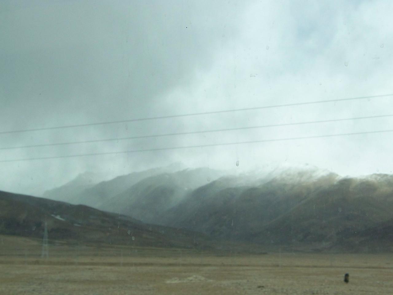 0120 - Scenery on Train Trip Between Beijing and Lhasa.JPG