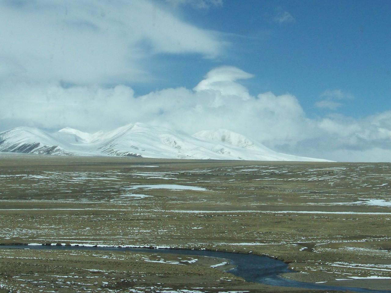 0110 - Scenery on Train Trip Between Beijing and Lhasa.JPG