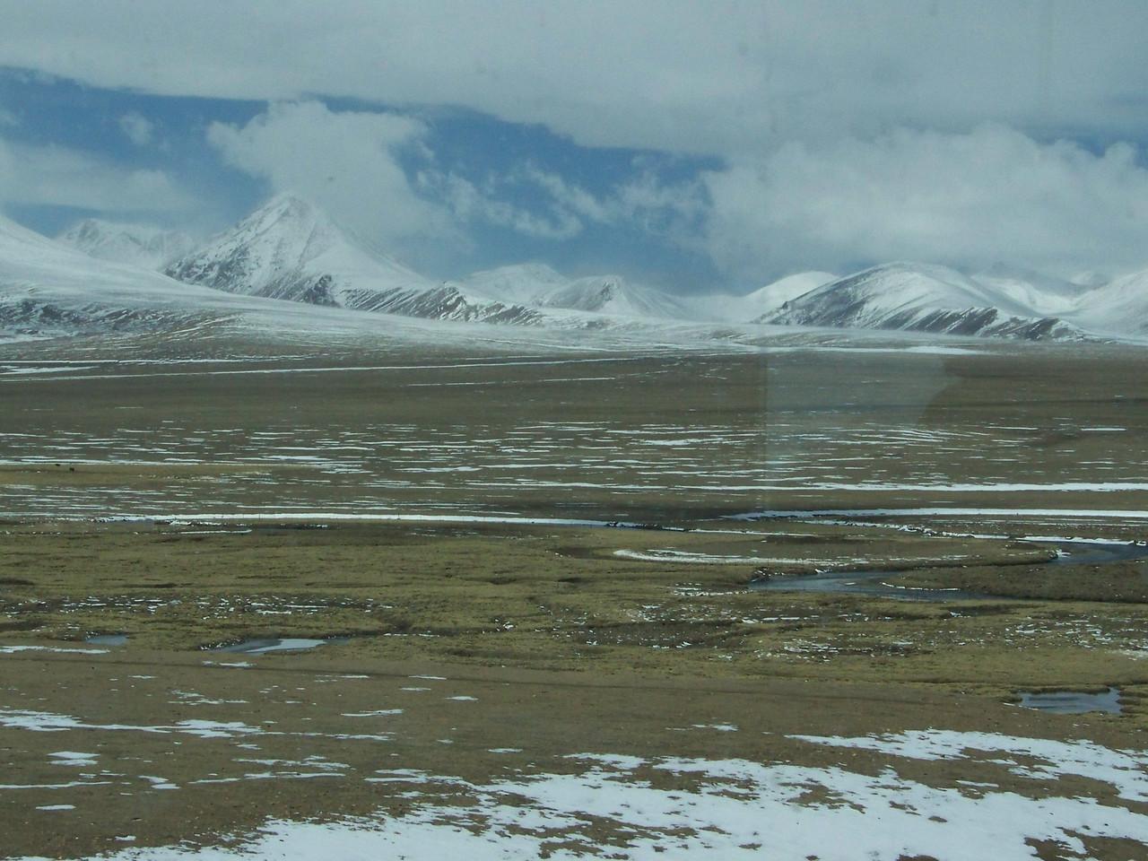 0111 - Scenery on Train Trip Between Beijing and Lhasa.JPG