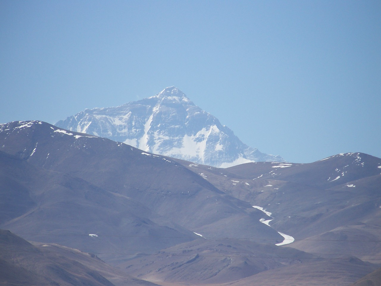 0482 - Mt Everest seen from the North on the Friendship Highway Between Baiba Tingri and Nyalam Tibet.JPG