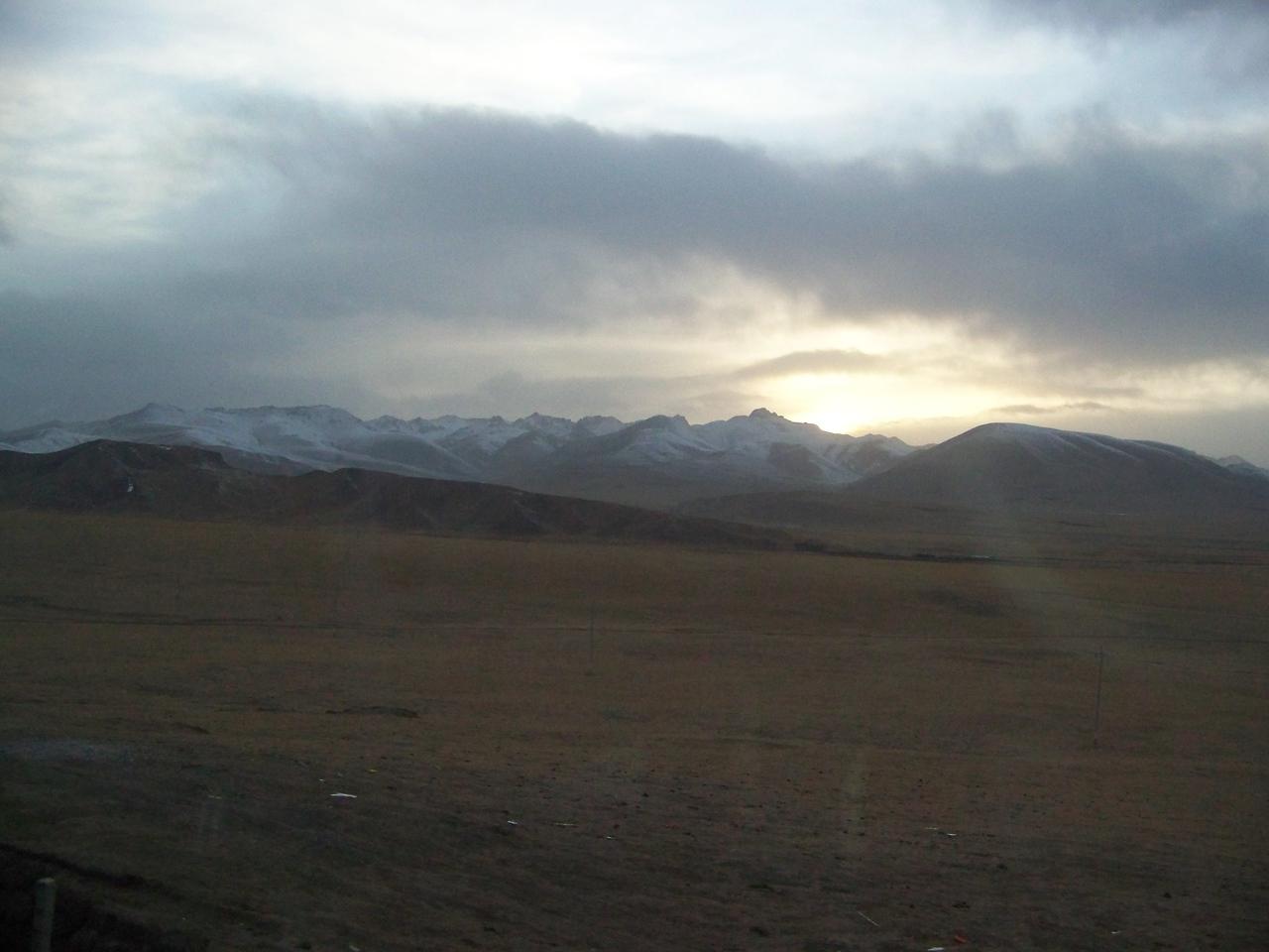 0092 - Scenery on Train Trip Between Beijing and Lhasa.JPG