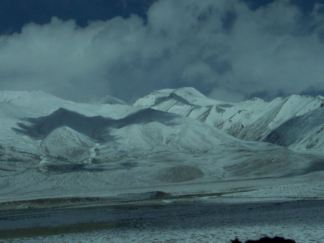 0114 - Scenery on Train Trip Between Beijing and Lhasa.JPG