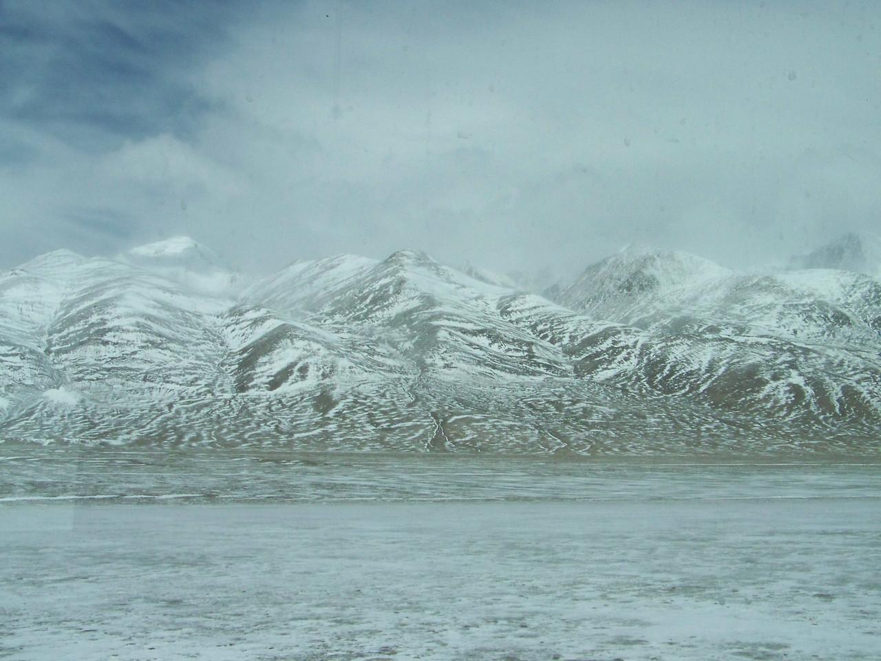 0113 - Scenery on Train Trip Between Beijing and Lhasa.JPG