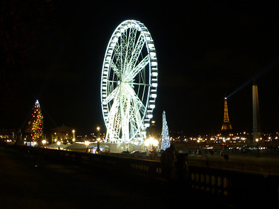 A pretty night time view in Paris, France