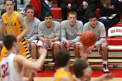 The Hinsdale Central High School boys' varsity basketball team defeats Metea Valley 56-40, February 7, 2014, in Hinsdale. (Daniel White photos).
