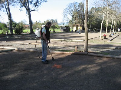 2013--1st court clean-up. Thanks volunteers!!