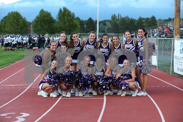 2013 - 2014 RHS CHEERLEADERS AND STUDENTS