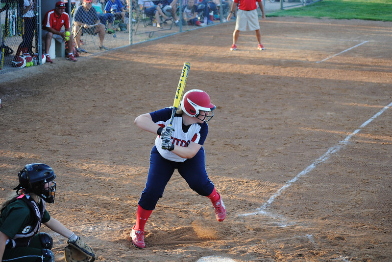Maddie Gloe Batting (2)
