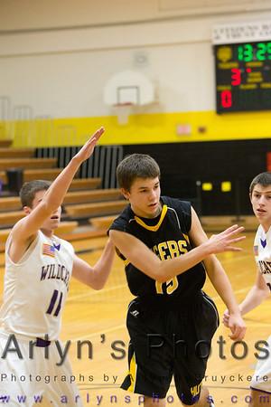 Hutch Boys Basketball vs Waconia