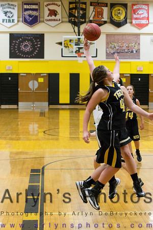 Hutch Girls Basketball vs Mankato East