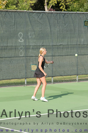 Hutch Girls Tennis vs Holy Family