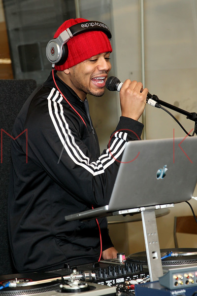 "NEW YORK, NY - JANUARY 24:  DJ Steel on air Live On Hip-Hop Nation's ""Thursday Night Live With DJ Envy And DJ Steel"" at SiriusXM Studios on January 24, 2013 in New York City.  (Photo by Steve Mack/S.D. Mack Pictures)"