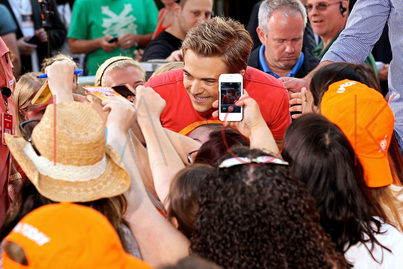 171178479SM001_Hunter_Hayes