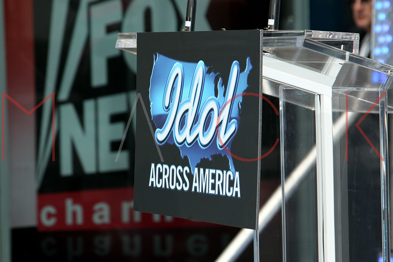 NEW YORK, NY - MARCH 01:  Atmosphere at the Idol Across America Kick Off in the News Corp Building Plaza on March 1, 2013 in New York City.  (Photo by Steve Mack/S.D. Mack Pictures)