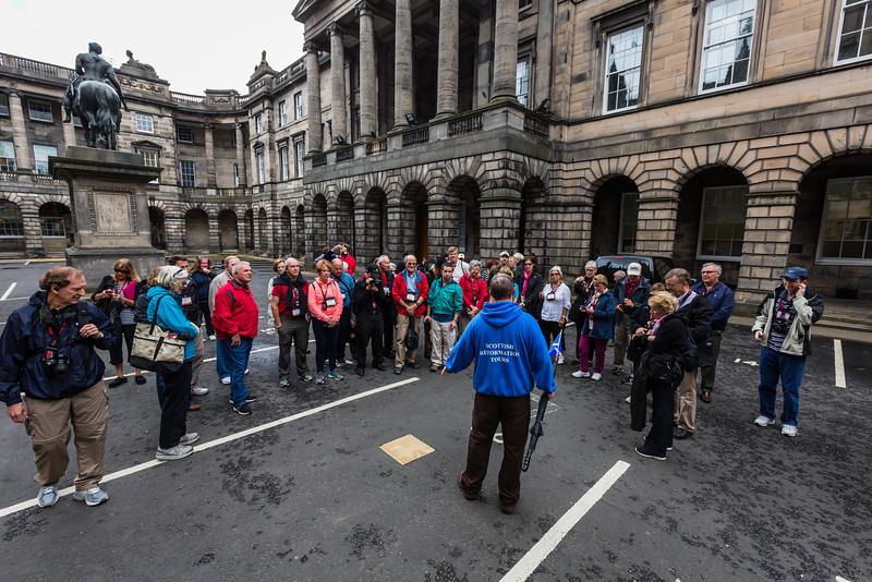 Tour A at John Knox Burial Site in Parking Lot