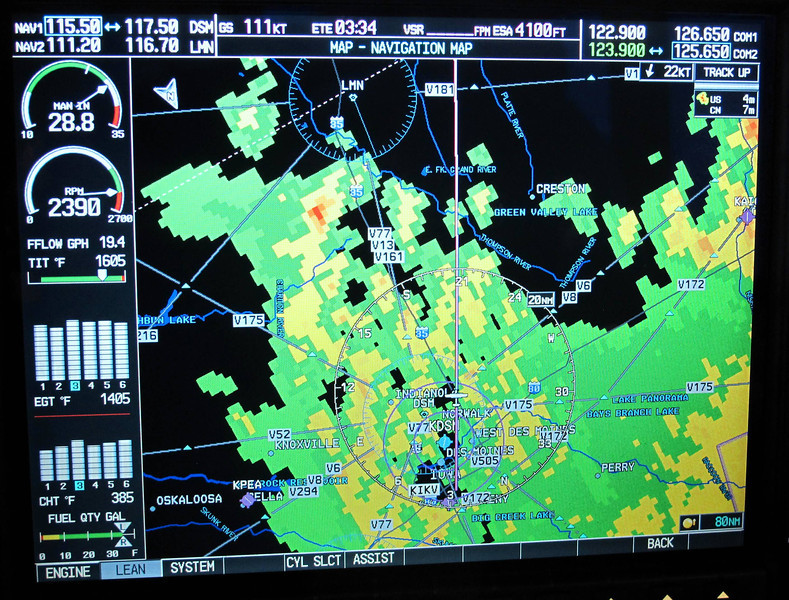 Climbing out, leaving Ankeny in the rain.  Weather radar has me surrounded with rain, but the ride was smooth.  This is light to moderate precipitation.  I stay away from the red stuff, that's where the bumps are.