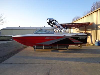 2013 MB X boat