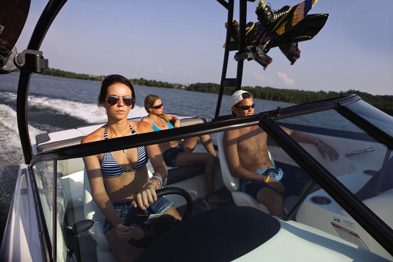 Sea Ray 205 Sport Boat (2013)