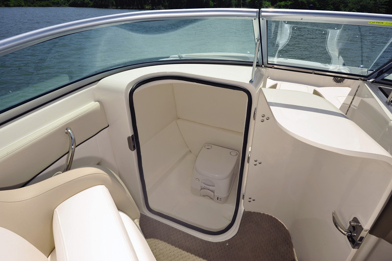 Sea Ray 220 Sundeck (2014)