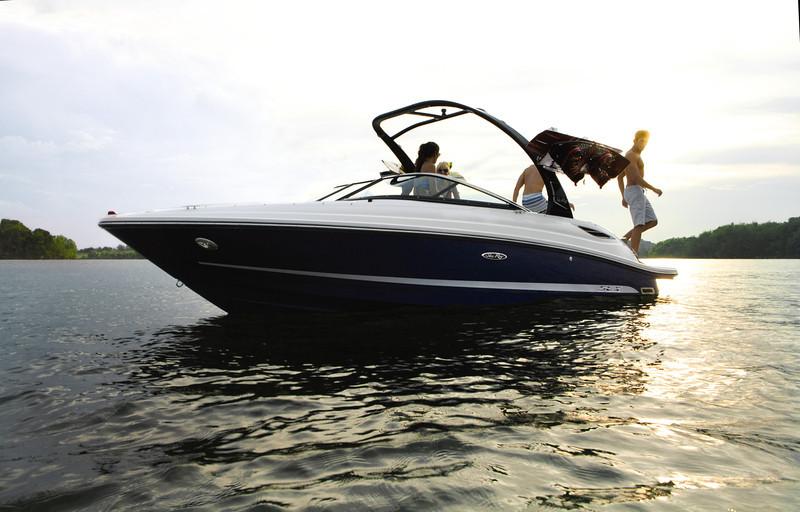 Sea Ray 230 SLX (2013)