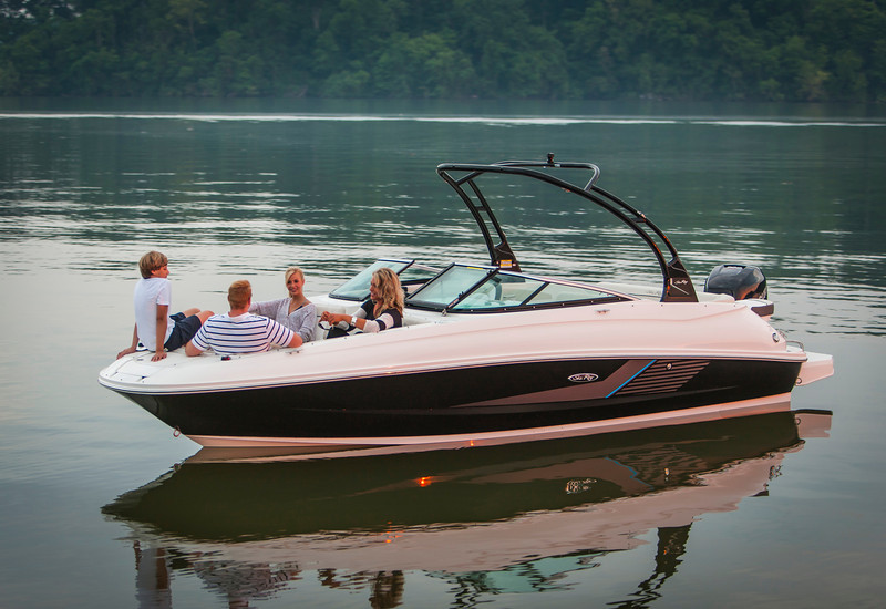 Sea Ray 240 Sundeck OB (2013)