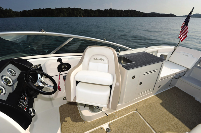 Sea Ray 300 Sundeck (2013)