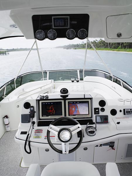 Sea Ray 520 Sedan Bridge (2013)