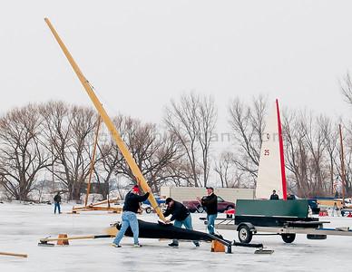 Rigging the Mast   BOE Skeeter