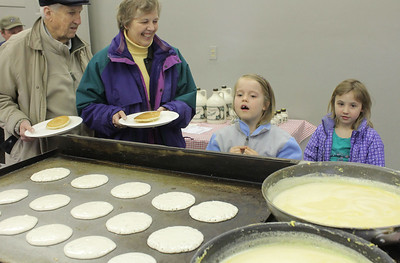 IMG_2277 camille johnson,6, of woodstock and ada mahood,r, watch