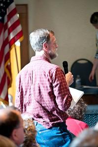 Hartland Town Meeting Damon Hall Hartland VT March 5, 2013 Copyright ©2013 Nancy Nutile-McMenemy www.photosbynanci.com For The Vermont Standard: http://www.thevermontstandard.com/ Image Galleries: http://thevermontstandard.smugmug.com/